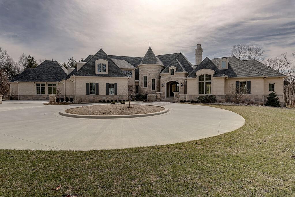 Ennis Custom Homes - Amenities/Specialty Rooms - Custom Builders in Carmel, IN - Front View of Home