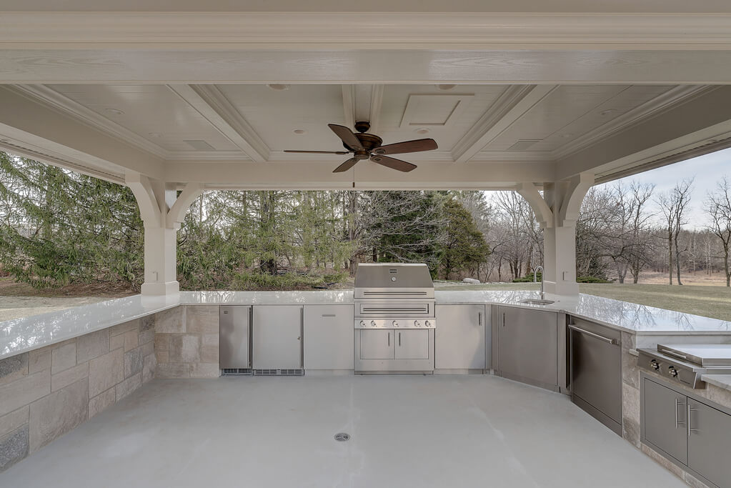 Ennis Custom Homes - Outdoor Kitchens - Carmel, IN Custom Builder - Outdoor Kitchen