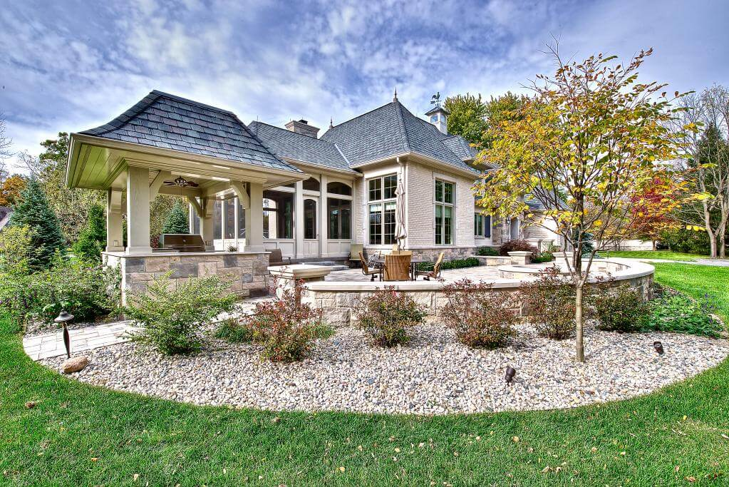 Ennis Custom Homes - Outdoor Kitchens - Luxury Home Construction Carmel, Indiana - Guest Home Patio